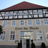 Ueclermuende hotel przy rynku z 1760 r.