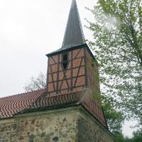 1Sonnenberg w deszczu -Kosciół ewangelicki z granitowych kwader z 4 ćw, XIIIw