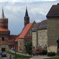 2 Prenzlau Wieża Srodkowa ,pomnik Lutra